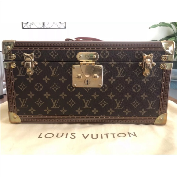 b25a0ec8d94 Louis Vuitton boite travel case cosmetic train new